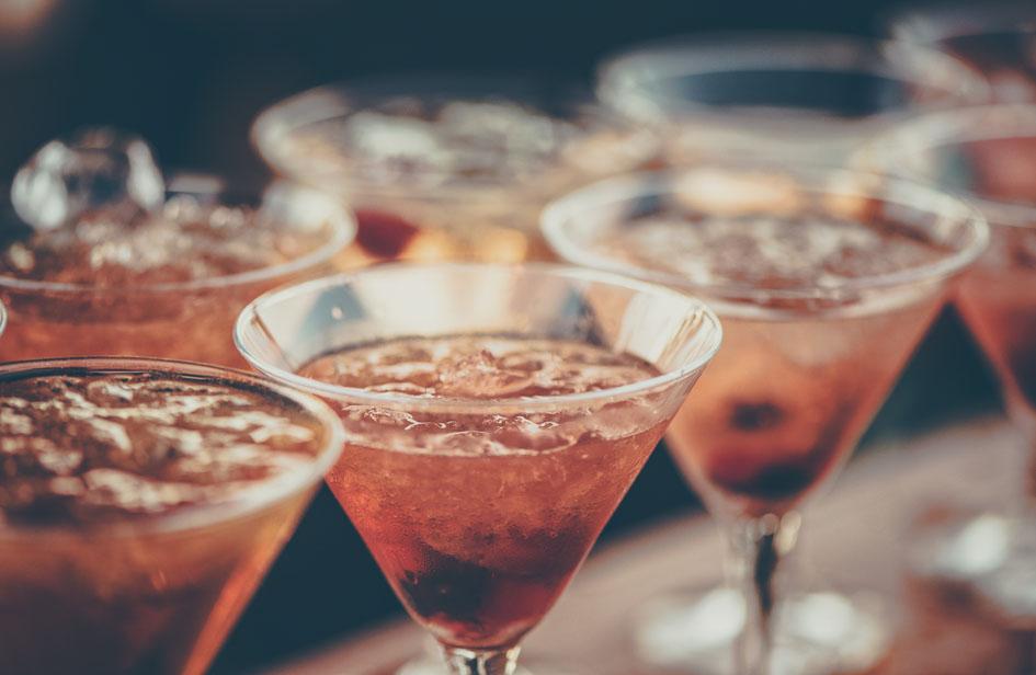 alcoholic-beverages-bar-beverage-cocktail-613037